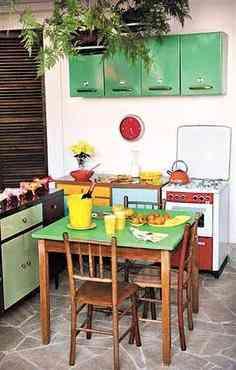 Ambientes do Estúdio Glória com móveis restaurados - Divulgação