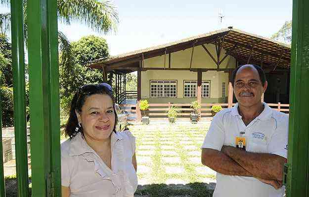 Wilma de Sousa Pereira e Jonas Pereira Filho, donos da Wilma Imóveis, uma das únicas imobiliárias que ainda comercializam lotes maiores  - Jair Amaral/EM/D.A Press