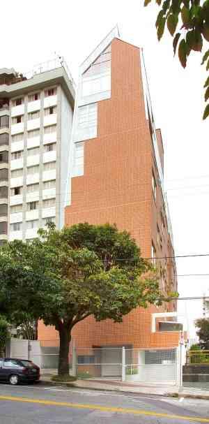 Em Belo Horizonte, o arquiteto Júlio Teixeira estreou um prédio inteiro de lofts na parte nobre da Rua São Paulo - Divulgação
