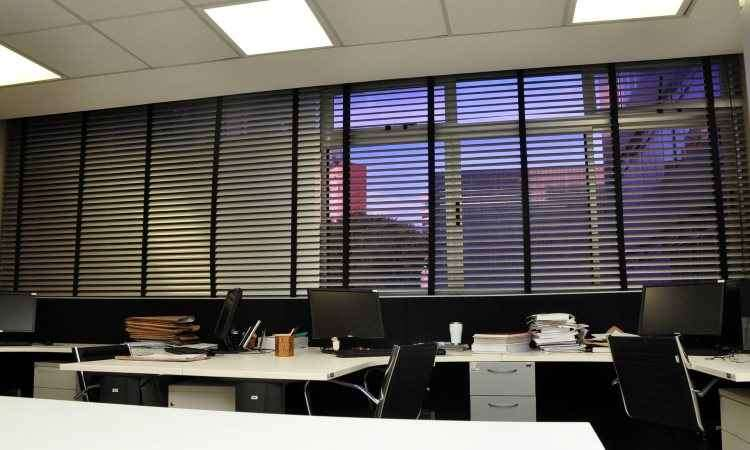 Do ponto de vista do investimento, dependendo do produto, persiana pode custar mais caro que cortina - Eduardo de Almeida/RA studio