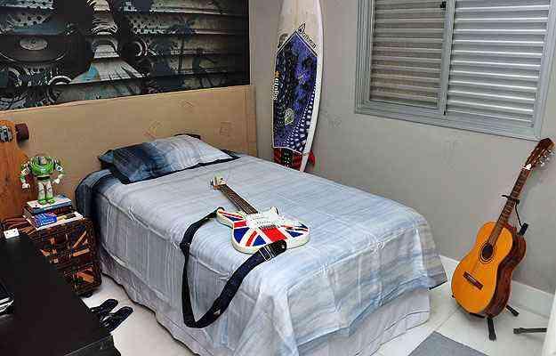 Com criatividade e escolha adequada de móveis e iluminação é possível criar ambientes confortáveis para qualquer perfil de morador - Eduardo Almeida/RA Studio