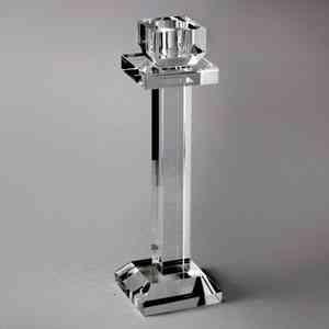 Castiçal Ana, da Prestige, em cristal e com 6cm de diâmetro x 21,5cm de altura. Na Camicado (R$ 69,90) - Divulgação