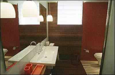 Banheiro social/hall criado pelos arquitetos Juliana Albertini, Leonardo Araujo e Roberto Pereira, para a Casa Cor Minas Gerais 2004 - Foto Sidney Lopes/EM/DA Press