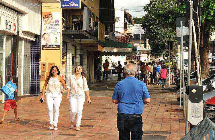 Lojas, bancos, clínicas médicas e academias deixam bairro mais atrativo. E tudo a somente a 14 quilômetros do Centro - Ramon Lisboa/EM/D.A Press