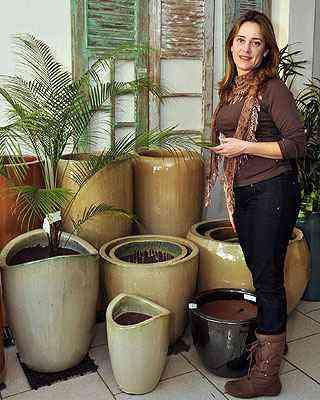 Professora de teoria da jardinagem no Inap, Lúcia Borges diz que o primeiro passo deve ser pensar a função que o jardim exercerá - Eduardo Almeida/RA Studio