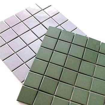 Peças com alto desempenho técnico podem ser usadas em espaços internos e externos, como fachadas, piscinas e banheiros - Gail/Divulgação