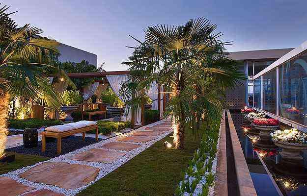 A paisagista Carla Pimentel ressalta que o jardim não segue tendências e precisa de um bom projeto para ser sustentável - Jomar Bragança/Divulgação