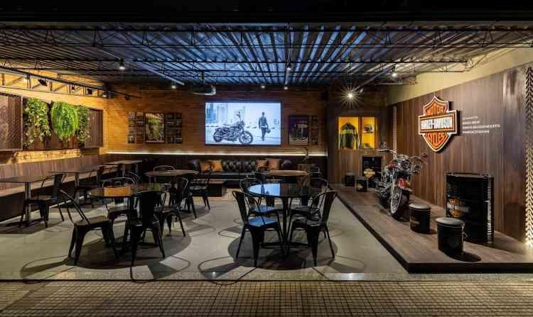 Restaurante Harley-Davidson: Vanessa Costa, Marcela Meira Machado, Fernanda Ghirotto e Claudio Arroyo - Ivan Araújo/Fotografia de Arquitetura/Divulgação