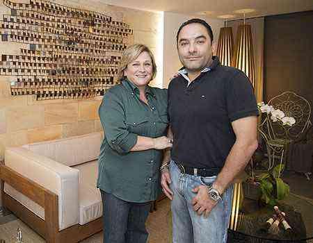 Luiz Carlos Landim e Marlene Decicino renovaram o ambiente que era apenas uma área de passagem no projeto original - Thiago Ventura/EM/D.A Press
