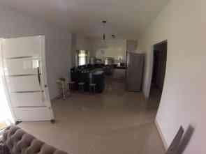 Casa em Condomínio, 3 Quartos, 4 Vagas, 3 Suites
