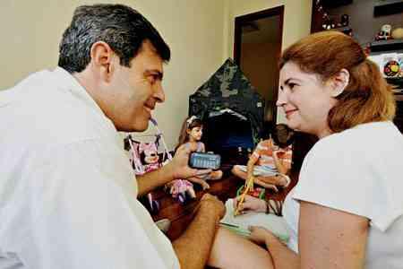Anderson Kury Santos e a esposa, Luciana, adquiriram um apartamento no Bairro Gutierrez e economizaram R$ 35 mil na transação  - Marcos Vieira/EM/D.A Press