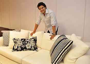 Diretor da Sava Móveis, Rafael Mendes diz que couros naturais são uma aposta, assim como o fio de linho e algodão - Eduardo Almeida/RA Studio