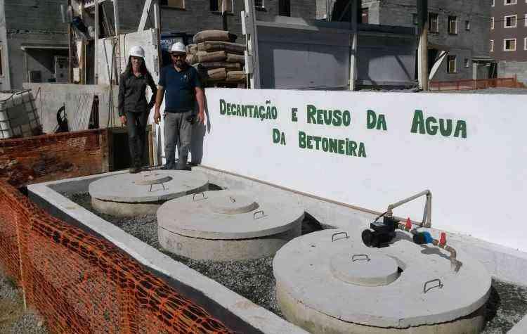 A MRV Engenharia reutiliza a água usada na lavagem da área da betoneira. O recurso, que anteriormente era descartado, agora é desviado para três tanques - MRV Engenharia/Divulgação