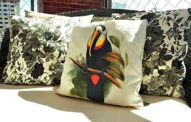 Eles podem aparecer ainda em almofadas, como nesta proposta de Luciana Andrade - Eduardo de Almeida/RA Studio