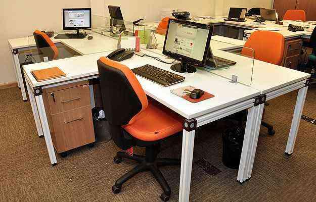 M veis de escrit rio devem ser planejados com ergonomia for Mobiliario ergonomico