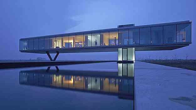 A Villa Kogelhof, na Holanda, é metade flutuante e metade subterrânea. Ideia impressionante que concorre com a casa de Itaipava - Architizer A  Awards/Divulgação