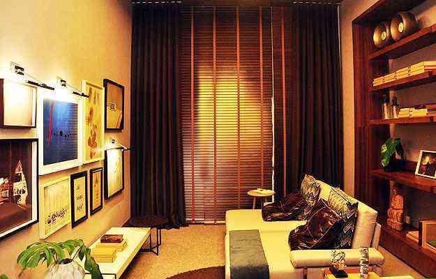 Uso combinado de persiana com tecidos em cortinas leva sofisticação ao ambiente - Eduardo de Almeida/RA Studio