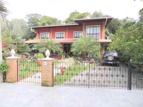 Casa em Condomínio, 6 Quartos, 5 Suites