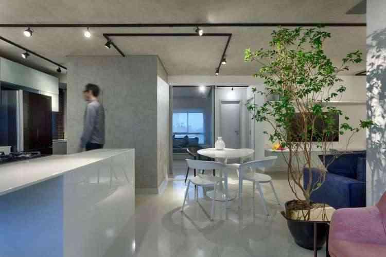 Em seus projetos, o arquiteto Júnior Piacesi distribui o spot em ambientes integrados  - Gustavo Xavier/Divulgação