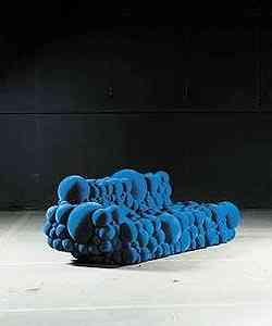 Mutation Series: a designer belga Maarten De Ceulaer projetou móveis feitos de esferas de espuma que se parecem bactérias. Foi a série mais falada do Salão - Divulgação