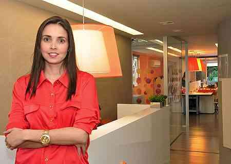 Na Agência Life, dirigida por Carolina Wischhoff, cores das paredes e dos móveis conferem modernidade e descontração ao ambiente - Eduardo Almeida/RA Studio