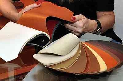 Variedade de modelos de couro disponíveis atualmente no mercado facilitam a decisão certa para cada tipo de decoração - Eduardo de Almeida/RA Studio