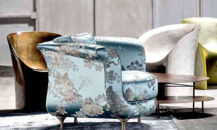 Tecidos tradicionais, como patterns intrincadas e clássicas,  são usados como forro de cadeira e poltrona - Internet/Reprodução