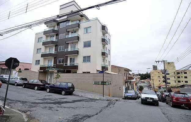 Alguns prédios residenciais, como o da Rua Professor Melo, já começam a mudar a paisagem local - Juarez Rodrigues/EM/D.A Press