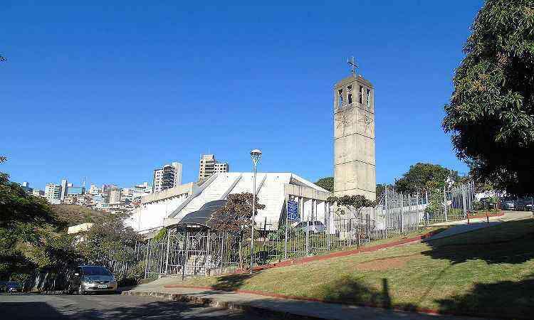 A Paróquia São Bento foi construída por iniciativa dos moradores do bairro - PARÓQUIA SÃO BENTO/DIVULGAÇÃO