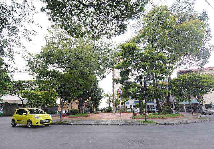 Praça do Cairo é um dos locais frequentados pelos moradores do bairro - Beto Novaes/EM/D.A Press