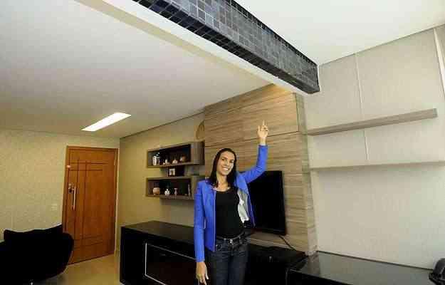 Simone dos Anjos alterou o acabamento do teto e ficou muito satisfeita com o resultado - Jair Amaral/EM/D.A Press