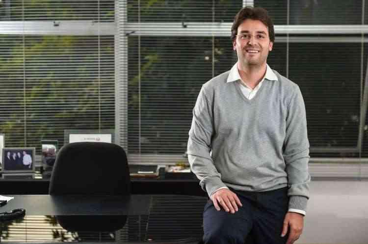 Humberto Mattos, diretor comercial da Somattos Engenharia, explica que a ideia é oferecer uma opção mais cômoda para o cliente fazer as alterações antes de se mudar - Pedro Vilela/Agência i7