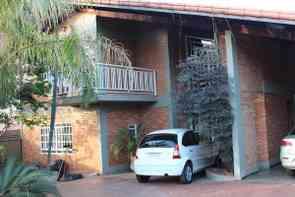 Casa em Condomínio, 4 Quartos, 6 Vagas, 4 Suites