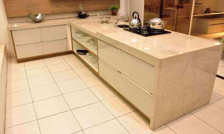 Planejar a execução de armários, como os da cozinha, é necessário - Eduardo de Almeida/RA studio