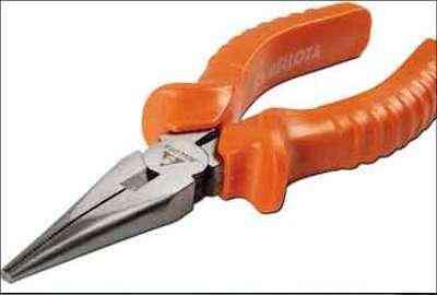 O alicate de bico meia-cana pode ser usado em trabalhos de mecânica, eletricidade e eletrônica - Belotta / Divulgação