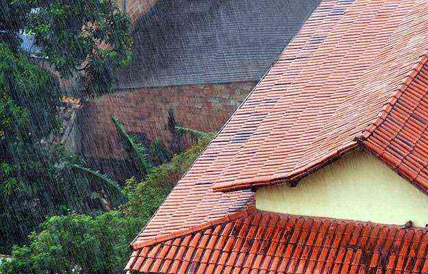 Vistoria regular no telhado é fundamental para evitar goteiras e infiltrações  - Eduardo Almeida/RA Studio