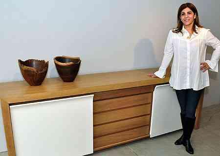 Móvel pode ser usado em vários espaços da casa e não apenas na sala de jantar, segundo a designer de interiores Kenya Bambirra  - Eduardo Almeida/RA Studio