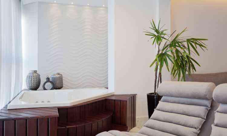 O revestimento 3D é o tipo de material procurado para áreas como banheiro, cozinha, lavabo, sala e varanda pela facilidade de manutenção - Rodrigo Marcandier/Divulgação