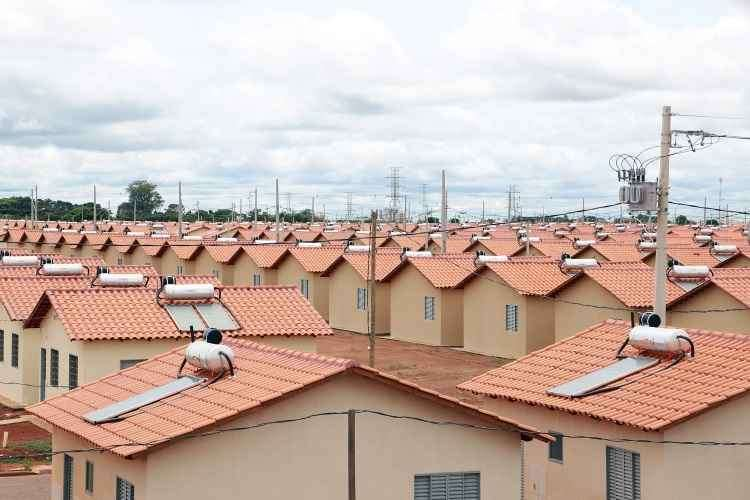 Mais de 5,8 mil pessoas foram beneficiadas, em Araguari (MG), pelo programa, com a entrega de 1.472 unidades  - Imprensa Caixa/Divulgação