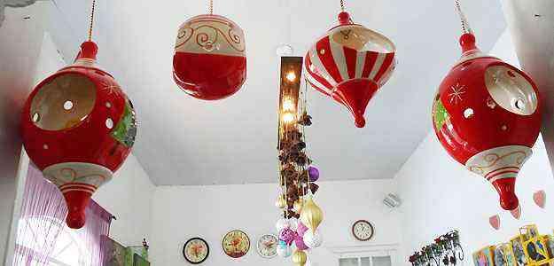 Lanternas e balões complementam o clima natalino na Aluízio - Carlos Altman/EM/D.A Press