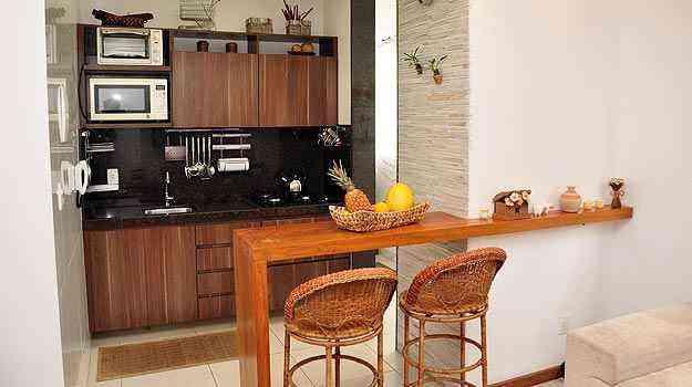 Especialistas dizem que, por menor que seja o ambiente, é possível transformá-lo em local agradável para preparar os alimentos e receber os amigos - Eduardo de Almeida/RA studio