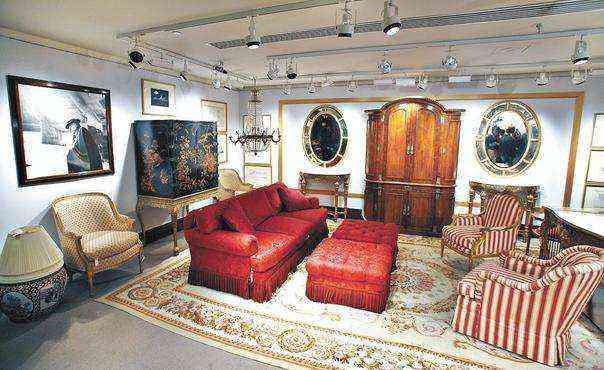 Mobiliário e acessórios criados por um dos nomes mais importantes do design mundial, Frank Lloyd Wright  - Peter Foley/Reuters