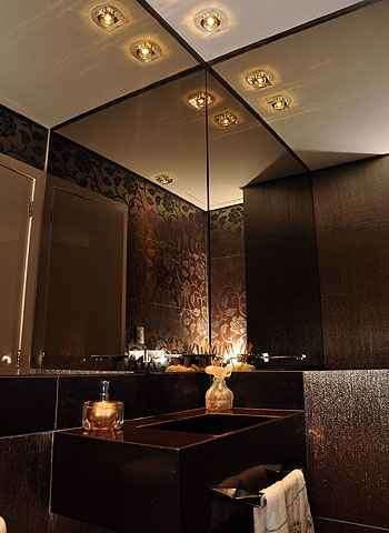Nos banheiros, recomendação é cobrir toda a parede sobre o lavatório com o produto quando for possível - Eduardo Almeida/RA studio