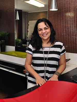 A consultora Adilma Quaresma diz que o acabamento é a roupa da casa - Eduardo de Almeida/RA Studio