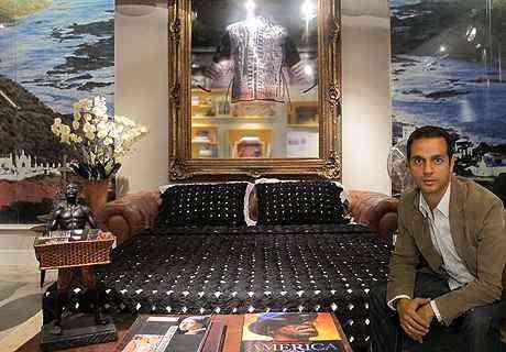 O arquiteto e designer Cioli Cássius Stancioli abriu mão da policromia para aplicar colcha luxuosa de fuxico - Cilo Cássius Stancioli/Divulgação