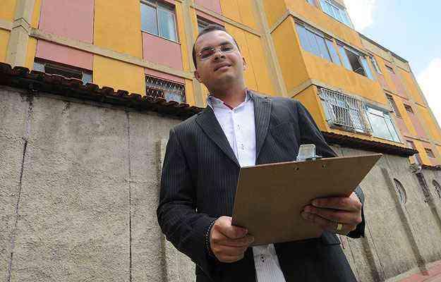 Luis Carlos Magalhães, da Alpha Administradora, diz que a maioria dos moradores não quer tomar frente dos problemas em comum   - Cristina Horta/EM/D.A Press
