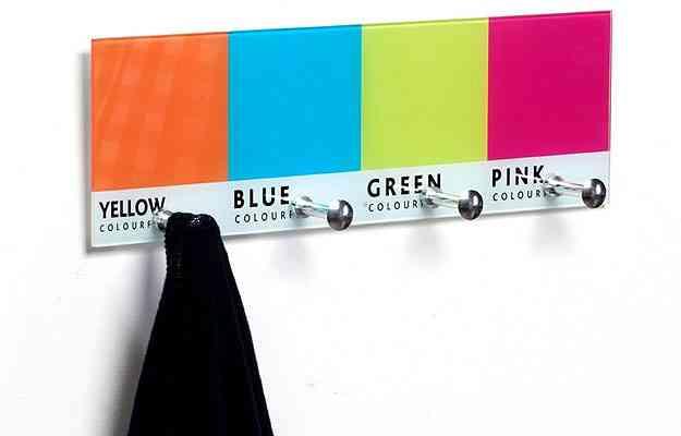 O porta chaves PANTONE é feito de vido, e tem quatro modelos de cores diferentes por R$ 69,80  - Divulgação