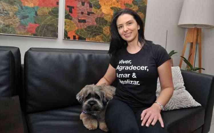 Raquel Couto, dona do Beethoven, diz que há respeito enorme entre os condôminos em relação aos animais - Ramon Lisboa/EM/D.A Press