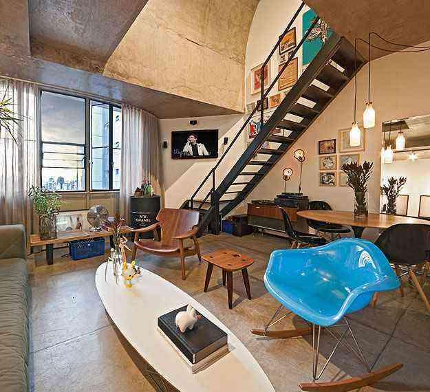 Loft montado da arquiteta Marina Dubal prioriza a integração e o equilíbrio na decoração - Henrique Queiroga/Divulgação