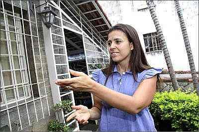A arquiteta Juliana Cardoso Cordeiro diz que até a incidência do sol sobre os imóveis deve ser observada pelo comprador - Gladyston Rodrigues/Ao Cubo Filmes